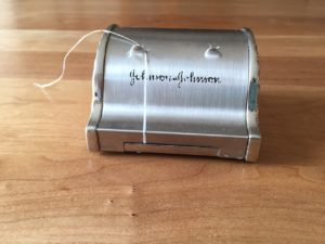 Floss canister image